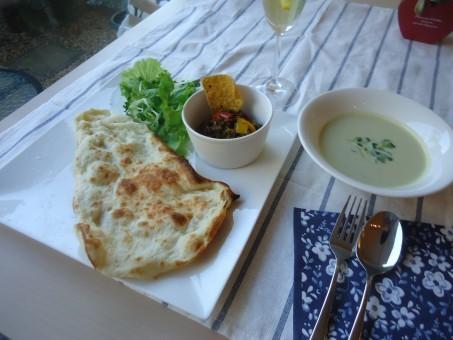 カレー・ナン・アボガドスープ